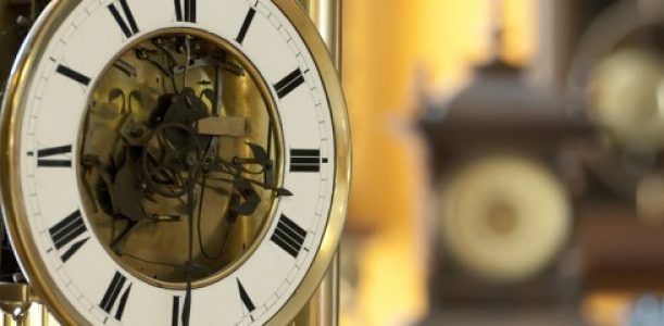 old-antique-clocks-620x240